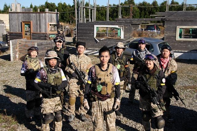 081130_131232_team.jp